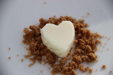 zHerz aus Joghurt - kleine Leckerei zum Valentinstag Herzen zum Essen