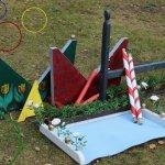 Pferde Hindernisse für Kinder selbst gebaut - Spielgeräte für den Garten