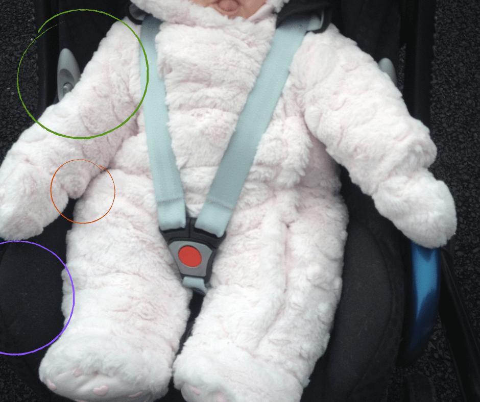 Baby Schneeanzug in der Babyschale